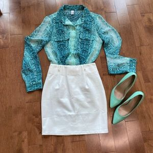 Old Navy blue snakeskin button down shirt blouse